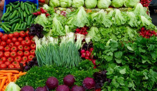 بی تدبیری مدیران دولت تدبیر این بار در حوزه سبزیجات/ قیمت سبزی و صیفی جات در بازار۵۰ درصد افزایش یافت