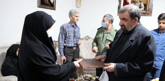 دیدار دبیر مجمع تشخیص مصلحت نظام با خانواده شهید شکیبا سلیمی
