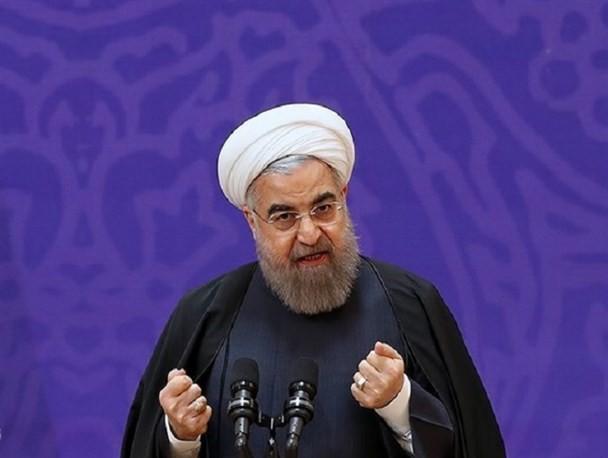 داد رئیس جمهور از مبارزه قوه قضاییه با فساد درآمد/ روحانی: کسی حق ندارد وزیر من را احضار کند!