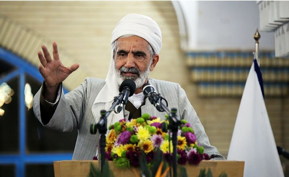 رفع مشکلات معیشتی مردم دغدغه اصلی مسئولان باشد/جمهوری اسلامی هویت از دست رفته ملت ایران را به آن ها بازگرداند