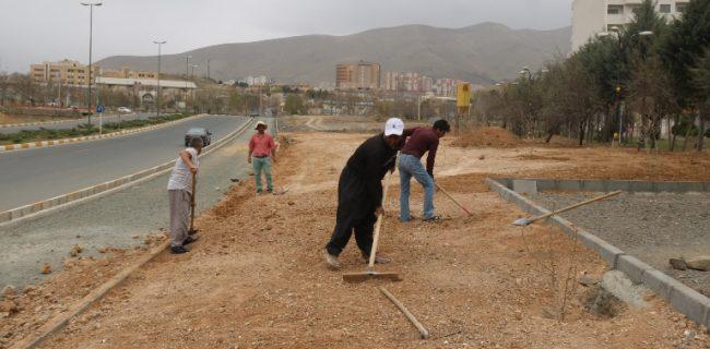 آغاز عملیات احداث چهار هزارمتر مربع فضای سبز در بلوار نظام مهندسی سنندج