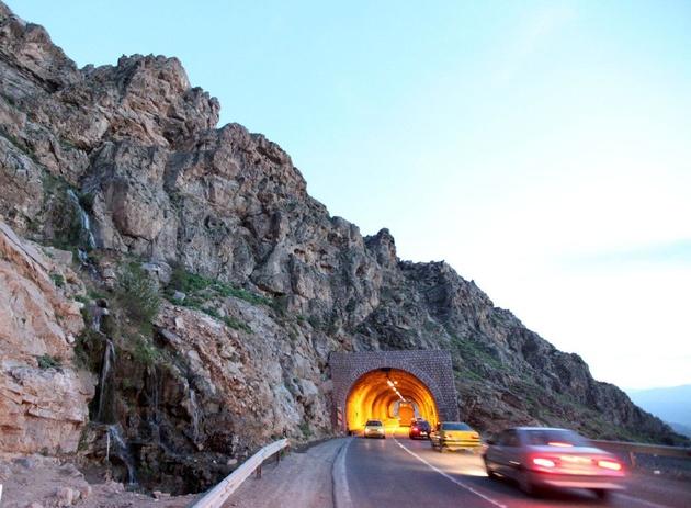 پروژه ساخت چهارخطه گردنه صلوات آباد سنندج ۸۰ درصد پیشرفت دارد